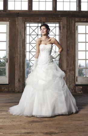 Sincerity - ein Prinzessinnenbrautkleid in alabaster