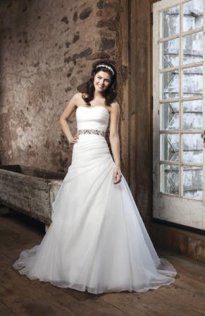Traumhaftes Brautkleid von Sincerity