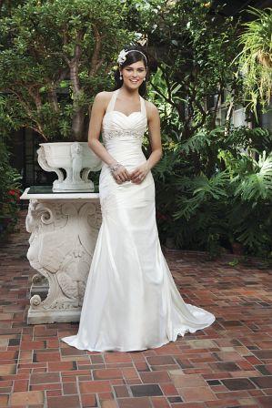 Brautkleider mit und ohne Neckholder zu tragen