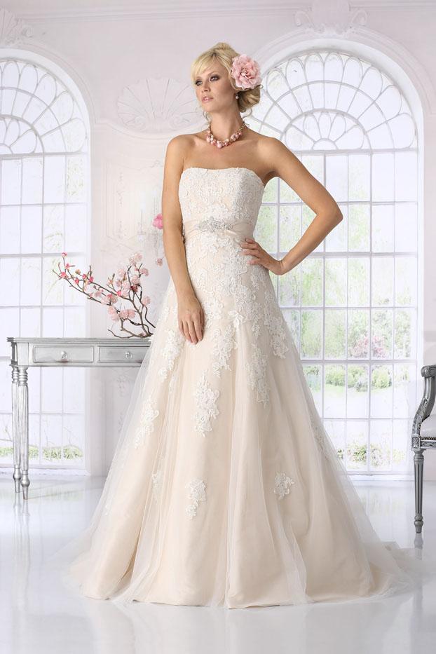 Tolle Trendy Hochzeitskleider Bilder - Brautkleider Ideen - cashingy ...