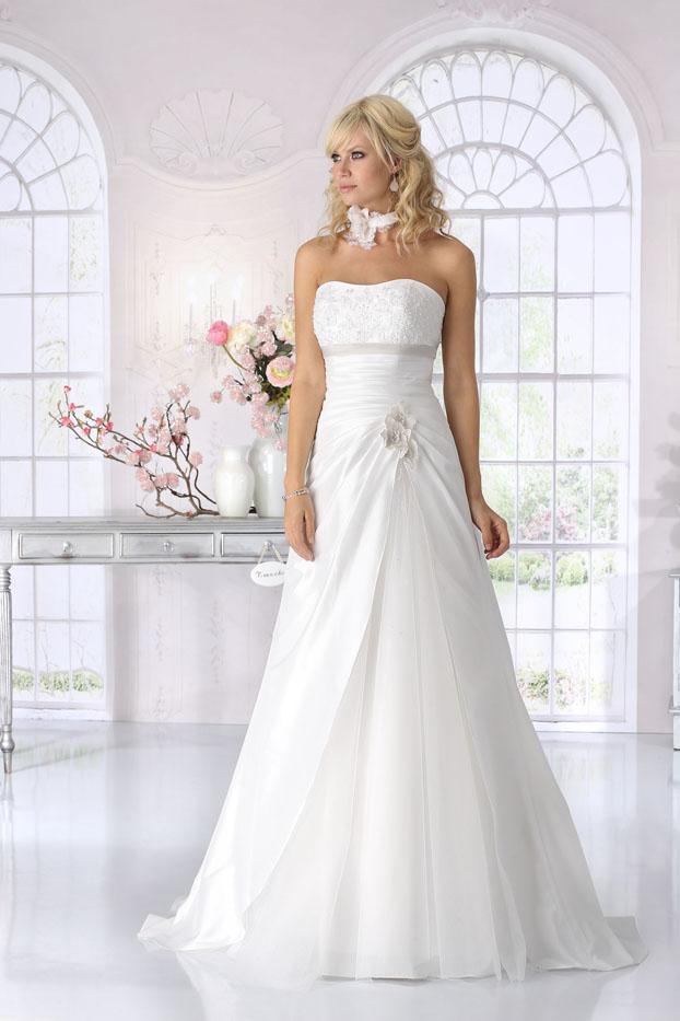 Tres Chic Hochzeitskleider Brautkleider Brautkleid Alexa Brautmoden ...
