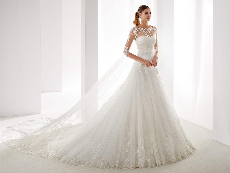 Nicole Spose Italienische Hochzeitskleider Hochzeitskleid Hochzeitskleider Brautkleid Brautkleider Alexa Brautmoden Geislingen Goeppingen Stuttgart Baden Wuerttemberg